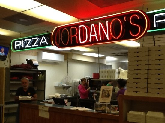 Jordano's Pizza & More: October 27, 2011 while on vacation in Destin