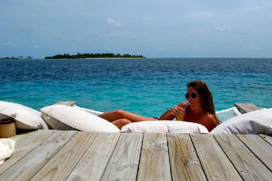 Six Senses Laamu: Enjoying a Ginger Mocktail at Chill