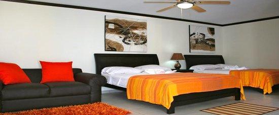 Hotel Tuanis: www.hoteltuanisjacobeach.com