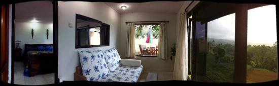 Pacung Indah Hotel & Restaurant: suite w sitting Rm and patio w view
