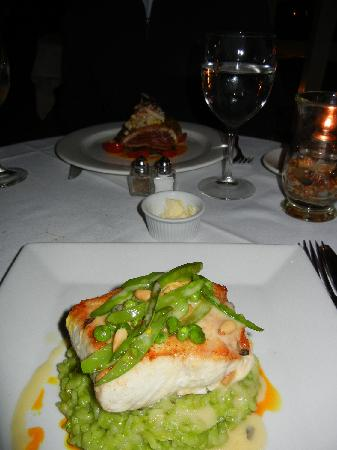 Sweet Life: Sauteed halibut with sweet pea risotto...mmm. (Seared Miso Yellowfin Tuna in background -- also