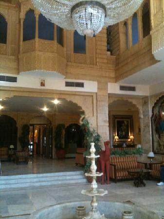 Gorbandh Palace: the lobby from the entrance