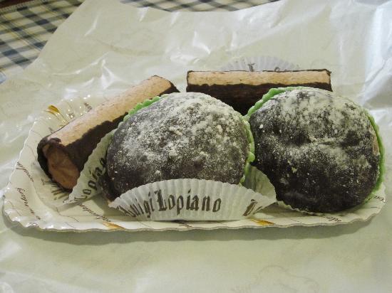 """Pasticceria Lopiano: """"Funghi"""" e dolci al caffé"""