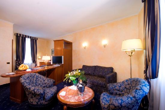 Nuovo Hotel Quattro Fontane: Suite