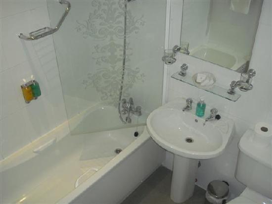 Clifton Arms Hotel : Bathroom
