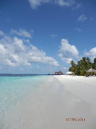 Robinson Club Maldives: beach