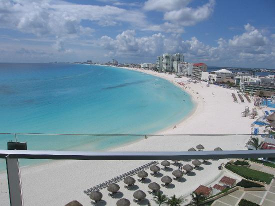 Krystal Grand Punta Cancun: View from Room 722