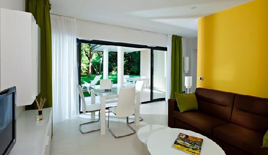 Neotelia Pavillon Montfleury: Salon sur terrasse