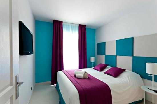 Neotelia Pavillon Montfleury: Chambre à chaque étage sa couleur