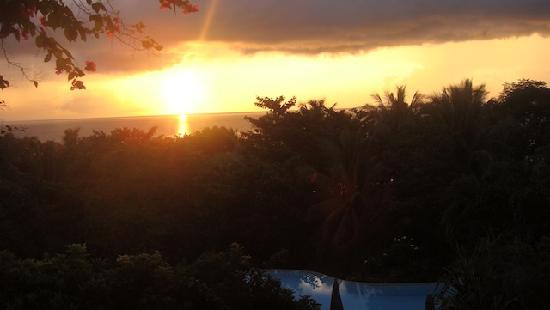 Amarela Resort: gorgeous sunrise from our balcony