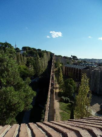 Hotel Gran Ultonia Girona: city walls