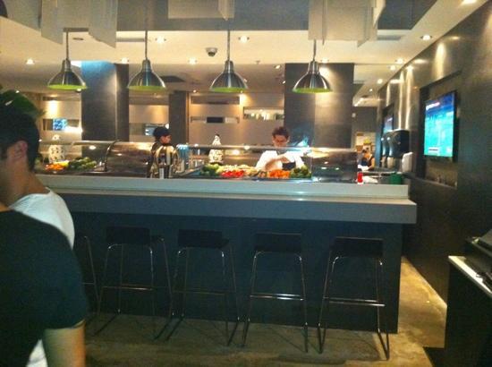 Kyojin Japanese Buffet: The restaurant - inside