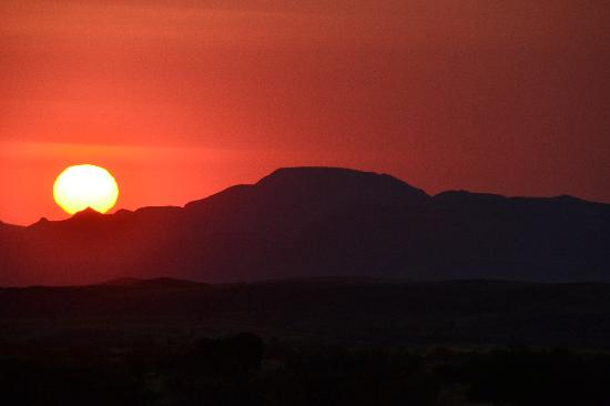 Namibya: Sunset in Damaraland