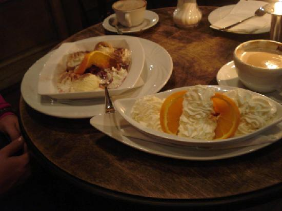 Qba: Baked Ckerries and Fried Banana with orange