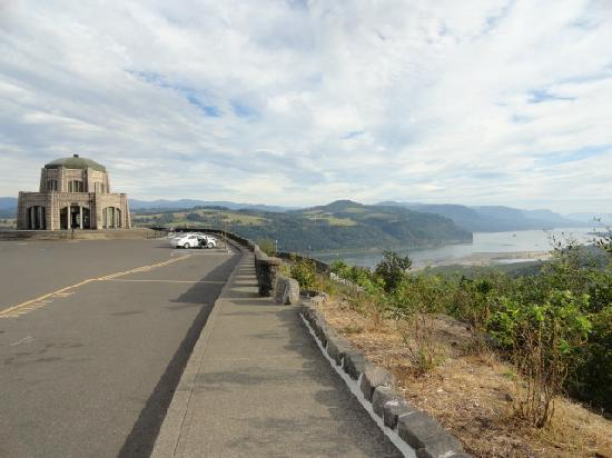 Columbia River Gorge: One of many stops for fantastic viewing