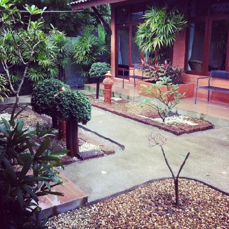 Phuket Siam Hostel: outside rooms again