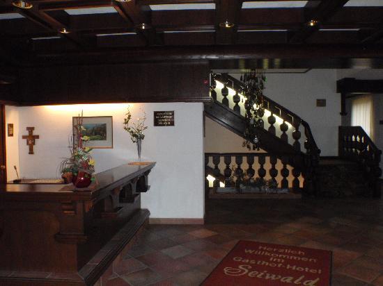 Sankt Oswald bei Freistadt, ออสเตรีย: Unbesetzte Rezeption im Gästehaus