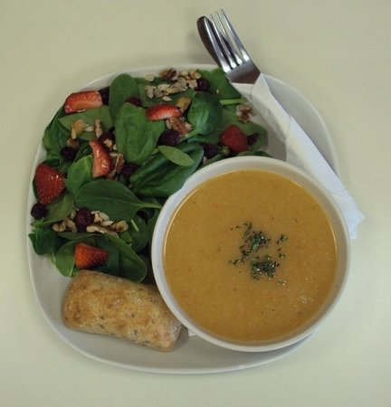 Soup 'n Such Cafe: Squash soup and spinach sald combo