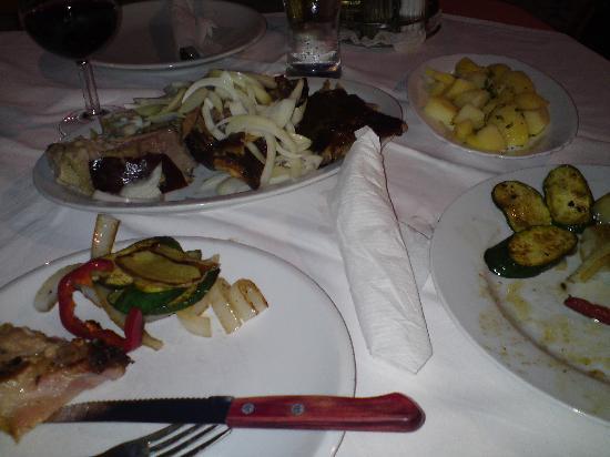 Gostiona Sidro : Pork and trimmings