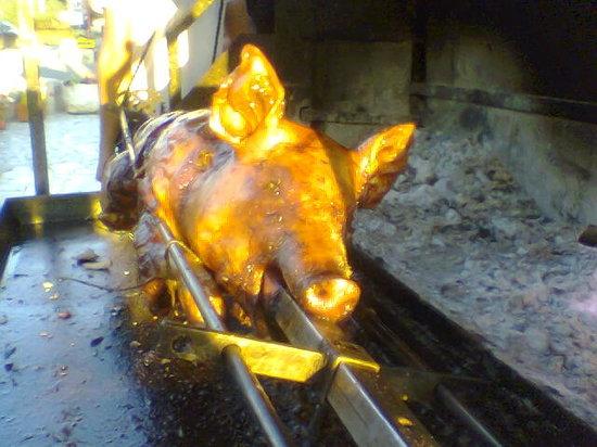Vrsar, Kroatien: Pig on a Spit