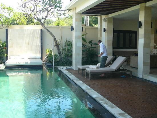Ko-Ko-Mo Resort: Villa Penyu pool