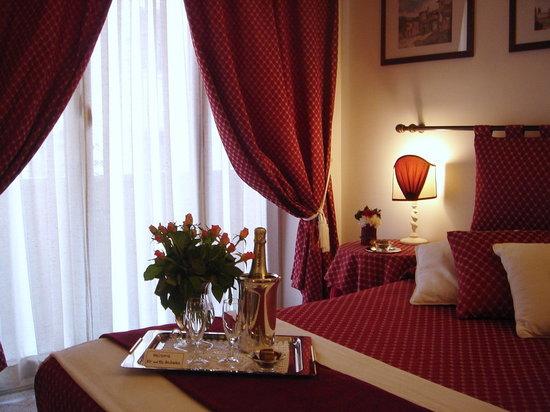 A Casa di Serena a San Pietro: Red Room