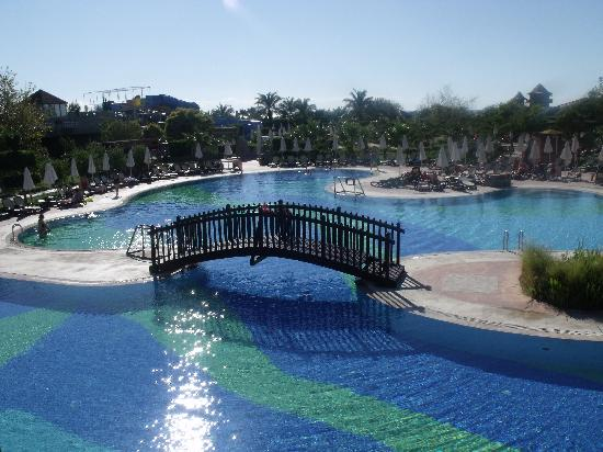 Sherwood Breezes Resort : Pool view
