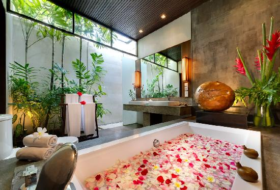 Kanishka Villas: Kanishka bathroom