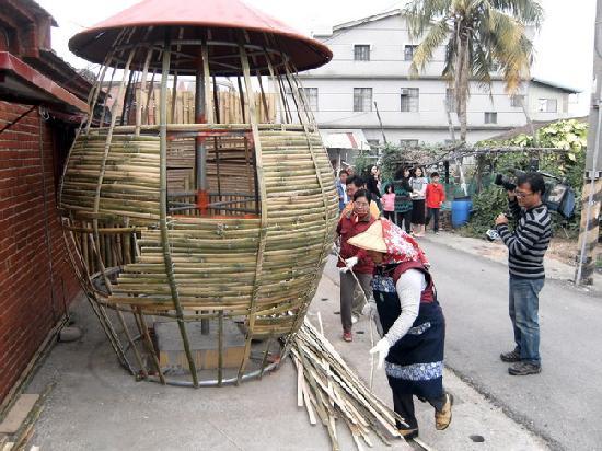 Wumilehelanjing Yongqyuan: 無米樂荷蘭井湧泉民宿~老穀倉