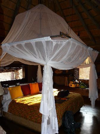 Makalali Private Game Lodge: Bett zum träumen