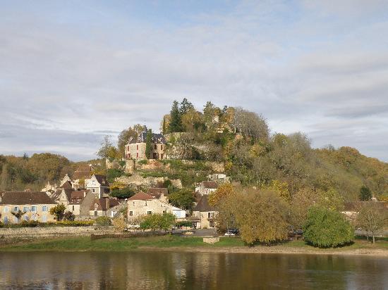 Chambres d'hotes du Bon Accueil : LIMEUIL magnifique village médieval