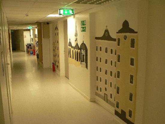 Crafoord Place: corridor