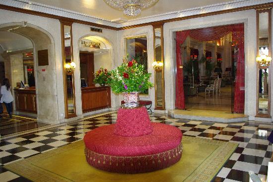 Hotel Avenida Palace: réception de l'hotel