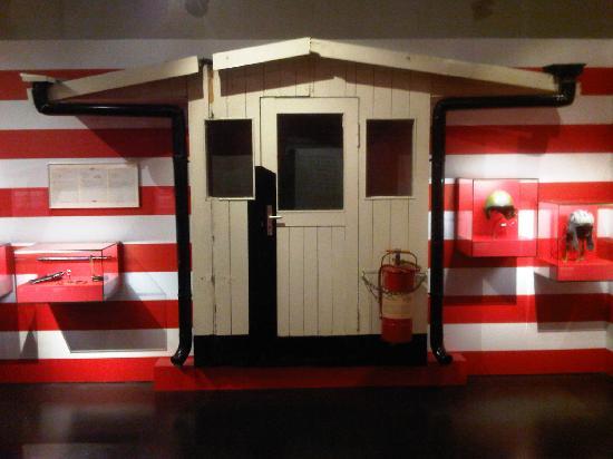 Allied Museum (Alliierten Museum) : Older checkpoint charlie