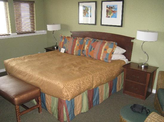 Surfsand Resort: King Bedroom With Ocean View