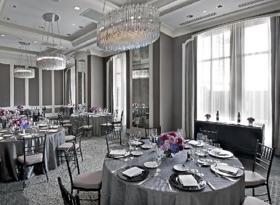 Waldorf Astoria Chicago : Hemingway Salon