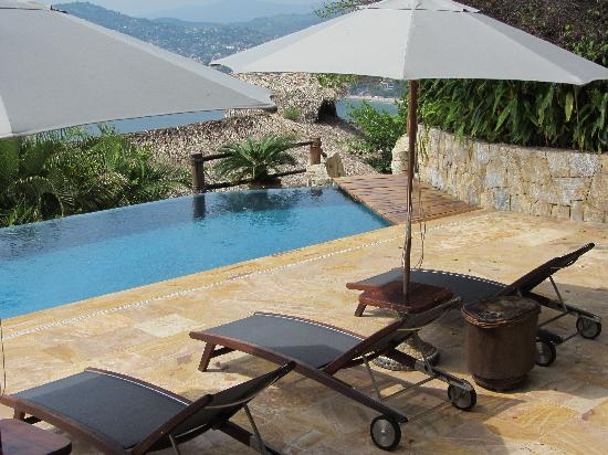 Amuleto: pool view