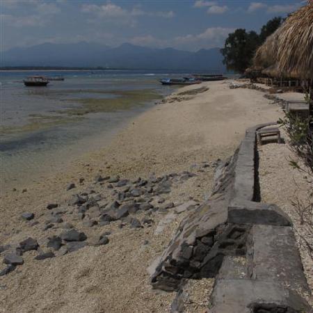 Gusung Indah: Front Beach