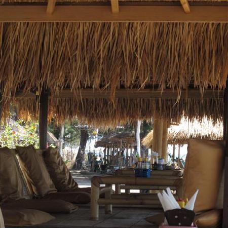 Gusung Indah: Resto Hut