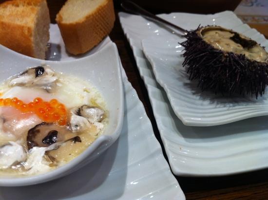 Bar Gaucho: crema de erizo y huevo de codorniz con cocochas