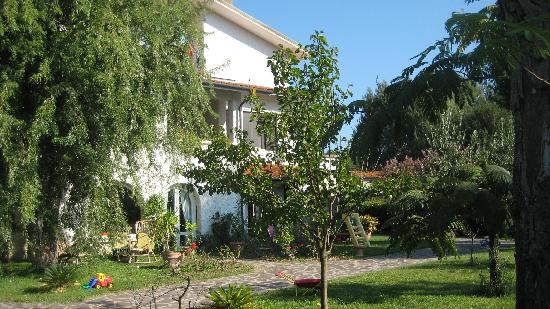 B&B Dreamers: Front View of Dreamers Bed & Breakfast