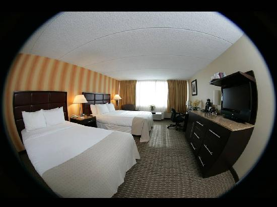 E Hotel Banquet & Conference Center: Double Bed Guest Rom