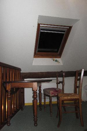 Hotel De France Logis: camera a tre posti letto 2° livello