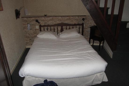 Hôtel de France Le Tast'Vin : camera con letto matrimoniale