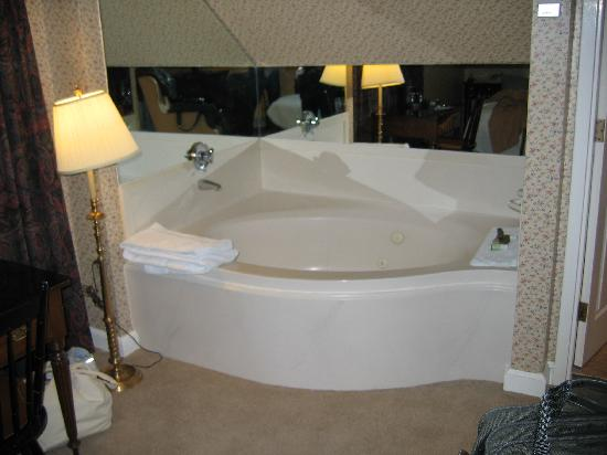 Hotels With Jacuzzi In Room In Freeport Maine