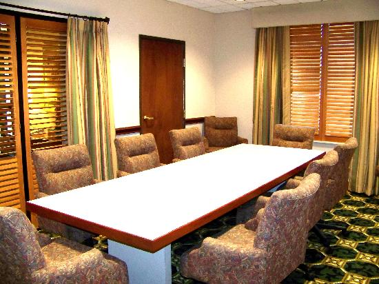 Wingate by Wyndham Dallas Love Field: Boardroom / Conference Rm