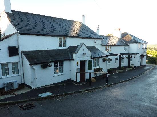 The Spyway Inn: looking down the lane