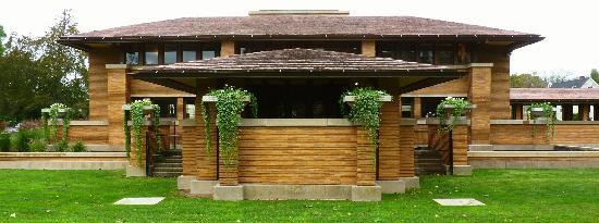 Frank Lloyd Wright's Darwin D. Martin House Complex: East Facade, Darwin Martin House