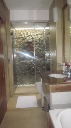 Siddhalepa Ayurveda Health Resort: bathroom
