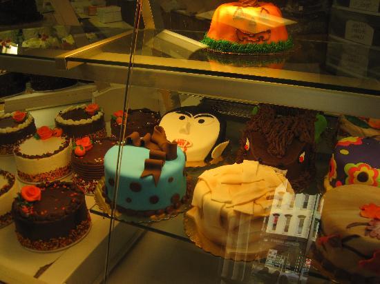 Carlo's Bakery: Cakes